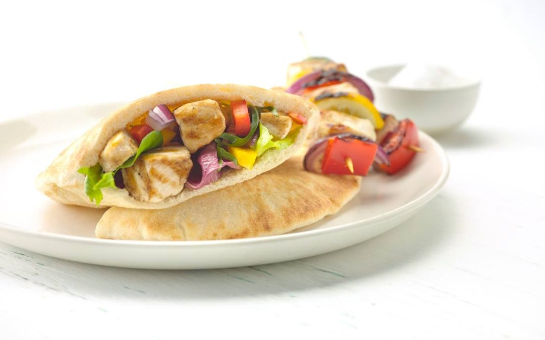 Pita filled with Chicken skewers